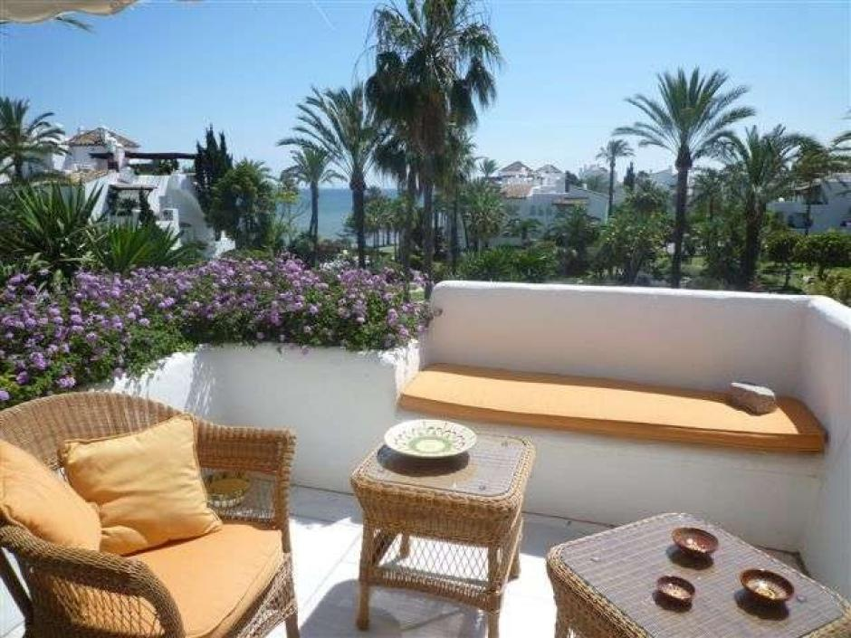 3 Bedroom, 3 Bathroom Penthouse Apartment in Estepona